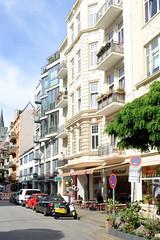 Fotos aus dem Hamburger Stadtteil Neustadt, Bezirk Hamburg Mitte; Wohnhäuser / Geschäfte in der Ditmar Koel Straße.