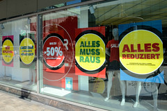 Fotos aus der Hamburger Innenstadt, City; Stadtteil Altstadt - Bezirk Mitte. Die Filiale Karstadt Sports an der Hamburger Mönckebergstraße wird 2020 geschlossen - der Räumungsverkauf hat begonnen.