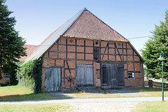 Neu Garge  ist ein Dorf in der Gemeinde Amt Neuhaus in Niedersachsen.