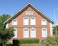 Fotos aus dem Hamburger Stadtteil Ochensenwerder, Bezirk Bergedorf. Wohnwirtschaftsgebäude am Ochsenwerder Elbdeich, erbaut 1905.