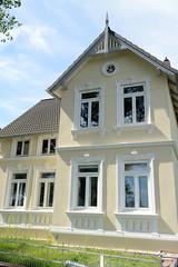 Neuengamme  ist ein Hamburger Stadtteil im Elbmarsch-Gebiet der Vierlande im Bezirk Bergedorf. Denkmalgeschütztes Wohnhaus der Gründerzeit am Neuengammer Hausdeich, errichet um 1900.