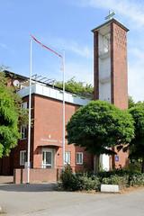Fotos aus dem Hamburger Stadtteil Neustadt, Bezirk Hamburg Mitte. Dänische Kirche in der Ditmar Koel Straße - das Kirchengebäude steht unter Denkmalschutz, errichtet1952 - Architekt Otto Kindt.