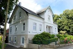 Neuengamme  ist ein Hamburger Stadtteil im Elbmarsch-Gebiet der Vierlande im Bezirk Bergedorf. Denkmalgeschützte Hofanlage am Neuengammer Hausdeich - errichtet 1908.