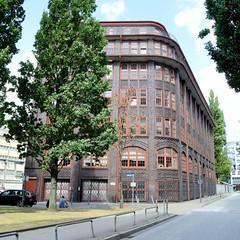 Fotos aus dem Hamburger Stadtteil Neustadt, Bezirk Hamburg Mitte. Kontorhaus Stubbenhuk, Backsteingebäude - errichtet 1925, Architekt  Wilhelm Lemm.