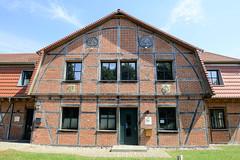 Dümmer ist eine Gemeinde im Landkreis Ludwigslust-Parchim in Mecklenburg-Vorpommern.