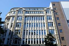 Fotos aus der Hamburger Innenstadt, City; Stadtteil Altstadt - Bezirk Mitte. Denkmalgeschütztes Kontorhaus am Gertrudenkirchhof - errichtet 1909, Architekt Claus Meyer.