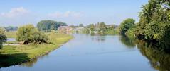Fotos aus dem Hamburger Stadtteil   Allermöhe, Bezirk Hamburg Bergedorf.  Blick von der Allermöher Kirchenbrücke auf die Dove-Elbe.