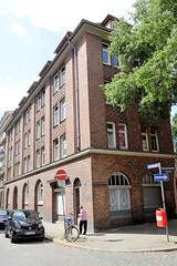 Fotos aus dem Hamburger Stadtteil Neustadt, Bezirk Hamburg Mitte; Wohnhaus am Herrengraben, errichtet 1914 - Architekten Behrens + Vincent.