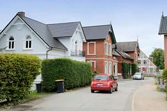 Curslack ist ein Stadtteil  im Bezirk Hamburg Bergedorf. Curslack ist einer der vier Stadtteile, die zusammen die Hamburger Vierlande bilden. Wohnhäuser der Gründerzeit in der Straße Curslacker Deich.