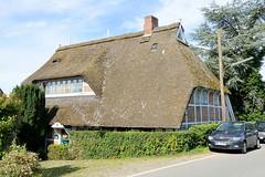 Neuengamme  ist ein Hamburger Stadtteil im Elbmarsch-Gebiet der Vierlande im Bezirk Bergedorf. Historische Fachwerkkate aus dem 17. Jh.; das Gebäude am Neuengammer Hausdeich steht unter Denkmalschutz.