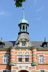 Fotos aus dem Hamburger Stadtteil Borgfelde, Bezirk Hamburg Mitte; Kuppel / Turm vom Hiobshospital an der Bürgerweide, errichtet 1884 - Architekten Semper / Phillip.