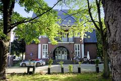 Fotos aus dem Hamburger Stadtteil Hohenfelde, Bezirk Hamburg-Nord. Alte Polizeiwache an der Angerstraße / Lübecker Straße; erbaut 1913/14 - Architekt Fritz Schumachaer - das Gebäude steht unter Denkmalschutz.