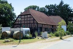 Sumte  gehört zu der in Niedersachsen liegende Gemeinde Amt Neuhaus, die östlich der Elbe liegt.