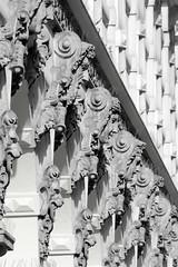 Historische Architektur in der Hamburger Innenstadt, Stadtteil Neustadt. Bauschmuck / Fassadendekoration in den Colonnaden.