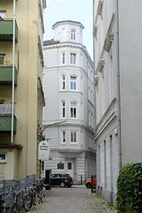 Bilder aus dem Hamburger Stadtteil Neustadt, Bezirk Hamburg Mitte. Blick durch den großen Trampgang in die Brüderstraße.