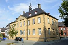 Rüthen ist eine Stadt im Kreis Soest in Nordrhein-Westfalen.