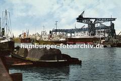 Historisches Bildmaterial - Geschichte des Hamburger Hafens; Lastkahn mit Ladung - Krananlage.