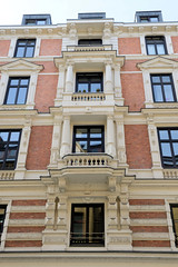 Historische Architektur in der Hamburger Innenstadt, Stadtteil Neustadt. Etagengeschäftshaus in den Hamburger Colonnaden - errichtet 1879, Architekten Elvers & Martens.