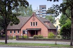 Fotos aus dem Hamburger Stadtteil Neugraben-Fischbek, Bezirk Hamburg Harburg. Neuapostolische Kirche in der Cuxhavener Straße.