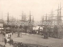 Historische Bilder vom Hamburger Hafen - Landungsbrücken, Schiffsmasten der Grosssegler.