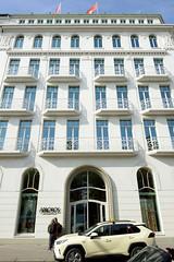 Historische Architektur in der Hamburger Innenstadt, Stadtteil Neustadt. Ehem. Hotel am Neuen Jungfernstieg, errichtet ab 1906, Architekten Boswau & Knauer; Umnutzung zum Geschäftshaus ca. 1953,