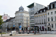Historische Architektur in der Hamburger Innenstadt, Stadtteil Neustadt. Blick über die Esplanade zur Mündung der Straße Colonnaden.