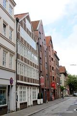 Bilder aus dem Hamburger Stadtteil Neustadt, Bezirk Hamburg Mitte; historische und moderne Architektur in der Straße Thielbek.