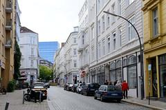 Bilder aus dem Hamburger Stadtteil Neustadt, Bezirk Hamburg Mitte; Wohnhäuser / Geschäftshäuser in der Wexstraße.