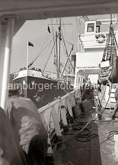 Schiffsdeck im Hamburger Hafen; ca. 1934.