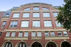 Bilder aus dem Hamburger Stadtteil Neustadt, Bezirk Hamburg Mitte; Bibliothek in den Kohlhöfen. Die Bücherhalle wurde 1909 errichtet, Architekt Hugo Groothof - das Gebäude steht unter Denkmalschutz.