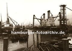 Historisches Fotomaterial zur Geschichte der Arbeit im Hamburger Hafen; Getreideheber Kuhwerder Hafen.