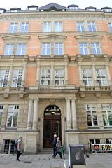 Historische Architektur in der Hamburger Innenstadt, Stadtteil Neustadt. Etagengeschäftshaus in den Hamburger Colonnaden - errichtet 1880, Architekt Wilhelm Hauers.