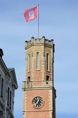 Historische Architektur in der Hamburger Innenstadt, Stadtteil Neustadt. Uhrturm / Telegrafenturm der Alten Post in der Poststraße; errichtet 1847 - Architekt Alexis de Chateauneuf.