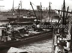 Motorschiffe am Johannisbollwerk / Vorsetzen - Passagierschiff Wilhelm Gustloff; 1938.
