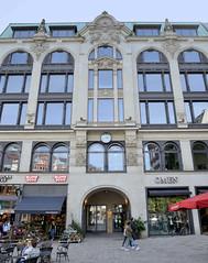 Historische Architektur in der Hamburger Innenstadt, Stadtteil Neustadt. Giradehaus am Gänsemarkt - Kontorhaus für den gleichnamigen Verleger; errichtet 1896, Architekten Puttfarcken & Janda.