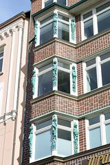 Historische Architektur in der Hamburger Innenstadt, Stadtteil Neustadt. Detail vom Kontorhaus - Geschäfthaus / Wrangelhaus am Jungfernstieg; errichtet1914 - Architeck Albert + Walter Lindhorst.