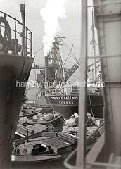 Güterumschlag im Hamburger Hafen;  ca. 1934.