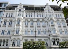 Historische Architektur in der Hamburger Innenstadt, Stadtteil Neustadt. Wohn- und Geschäftshaus in der Dammtorstraße, errichtet 1881 - Architekt Adolf Heim.