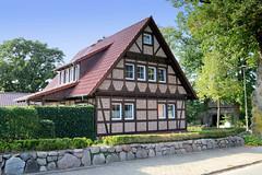Fitzen ist eine Gemeinde am Elbe-Lübeck-Kanal im Kreis Herzogtum Lauenburg in Schleswig-Holstein.