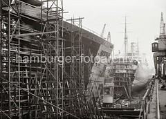Schwimmdock der Hamburger Werft Blohm & Voss; ca.1934.