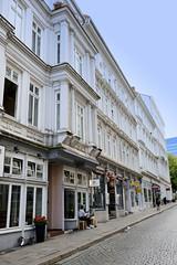Bilder aus dem Hamburger Stadtteil Neustadt, Bezirk Hamburg Mitte. Etagenhaus in der Wexstraße - das um 1870 errichtet Gebäude steht unter Denkmalschutz.