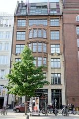 Historische Architektur in der Hamburger Innenstadt, Stadtteil Neustadt. Kontorhaus am Gänsemarkt, errichtet 1913 - Architekten Emil Schaudt + Albert Lindenhorst.