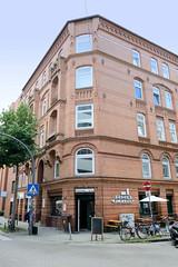 Bilder aus dem Hamburger Stadtteil Neustadt, Bezirk Hamburg Mitte. Wohngeschäftshaus mit Ziegelfassade, Kohlhöfen / Kurze Straße.