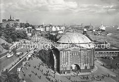 Historisches Bild Architektur Hamburg - Kuppelgebäude vom Alten Elbtunnel, Landungsbrücken.