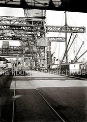 Kaifläche im Oderhafen Hamburg, Schienen der Hafenbahn; ca. 1934.