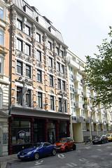 Bilder aus dem Hamburger Stadtteil Neustadt, Bezirk Hamburg Mitte. Fassade eines unter Denkmalschutz stehenden Wohngeschäftshauses in der Poolstraße; errichtet 1888, Architetk Dameck.