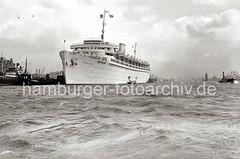 Passagierschiff WILHELM GUSTLOFF - Überseebrücke ; ca. 1938.