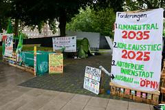 Hamburger Klimaaktivisten von Fridays for Future haben  August 2020 ein Klimacamp bei der St. Petrikirche aufgeschlagen.