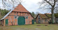 Stapel ist ein Ortsteil der Gemeinde Amt Neuhaus in Niedersachsen.