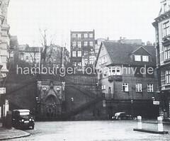 Altes Bild vom Altonaer Hafen - Blick auf die Köhlbrandtreppe.